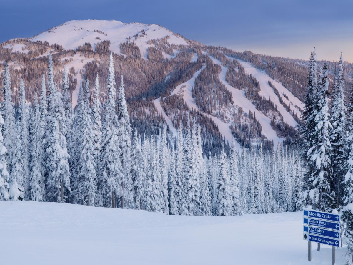 Sun and Ski Sports hours and Sun and Ski Sports locations along with phone number and map with driving directions.