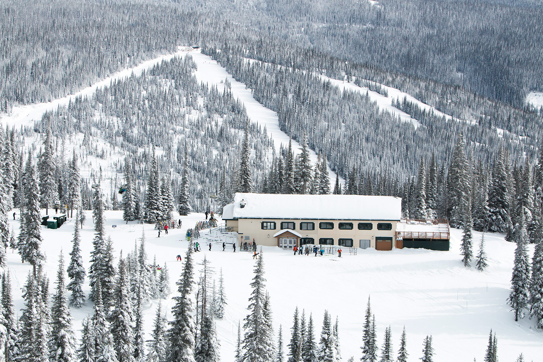 The Mid-Mountain Sunburst Lodge and Eatery at Sun Peaks Resort