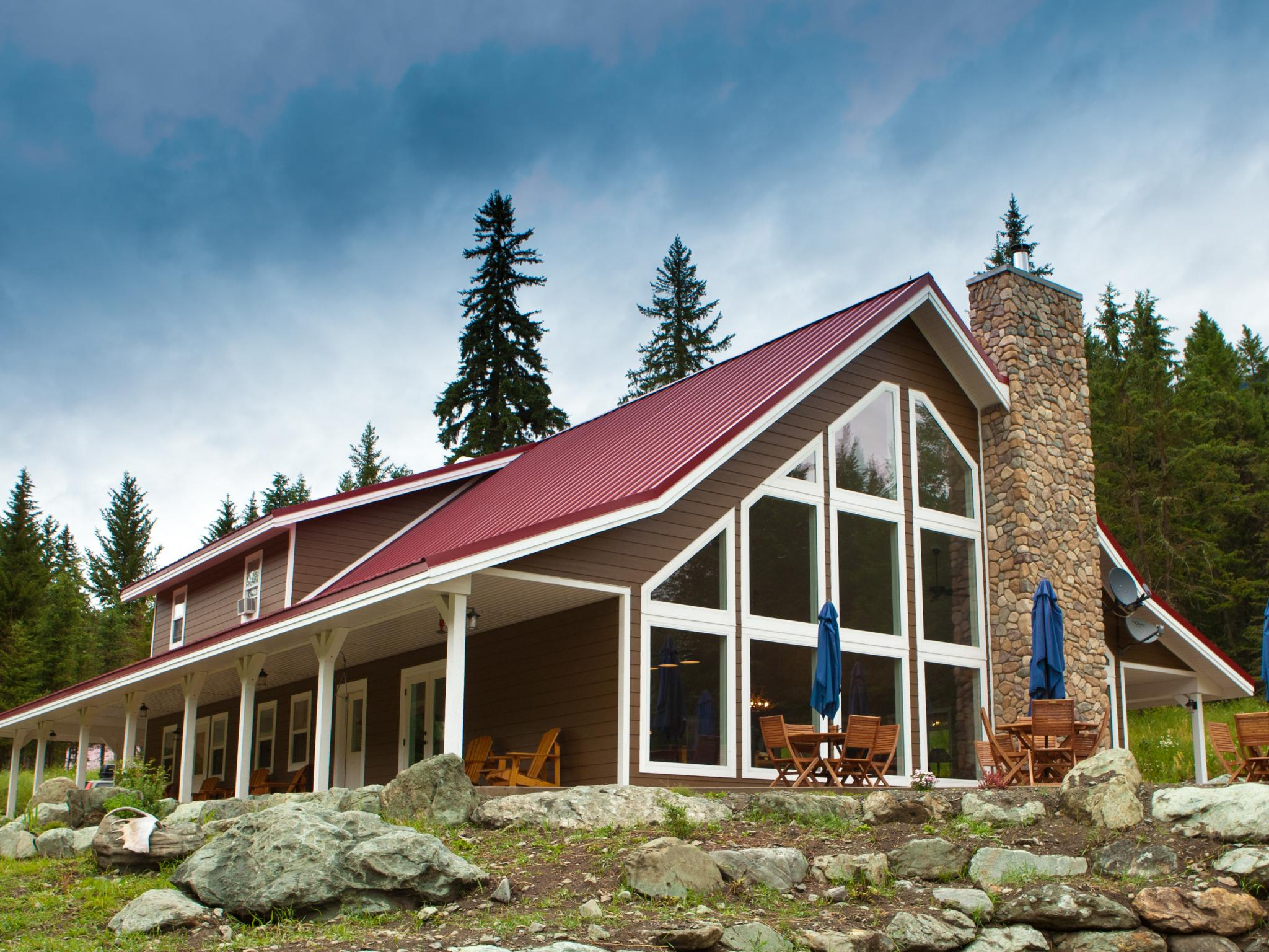 Tod mountain guest cabins sun peaks resort for Speciality hotels